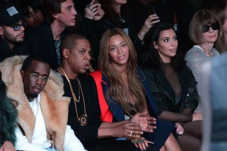 Kanye West phai huy tour, nhap vien kiem tra tam than - Anh 2