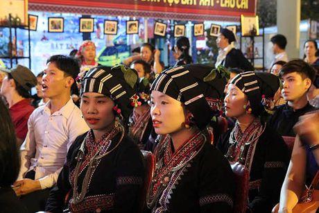Huong sac vung cao giua long Ha Noi - Anh 10