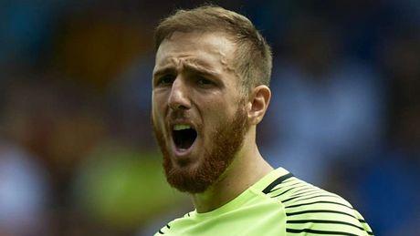 De cu doi hinh hay nhat nam cua UEFA: Ramos dung dau hang phong ngu - Anh 15