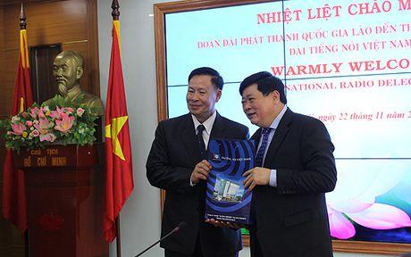 Dai phat thanh Lao tham va lam viec tai Dai Tieng noi Viet Nam - Anh 3