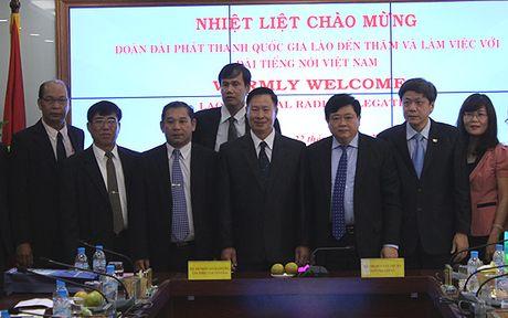 Dai phat thanh Lao tham va lam viec tai Dai Tieng noi Viet Nam - Anh 4