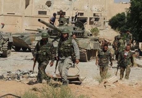 Syria tap kich du doi, phien quan danh trong tuyet vong - Anh 1