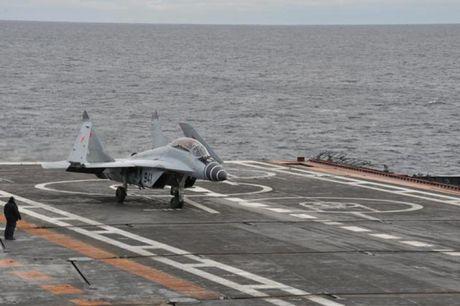 Lo nguyen nhan MiG-29K chua khong kich khung bo da roi xuong bien - Anh 1