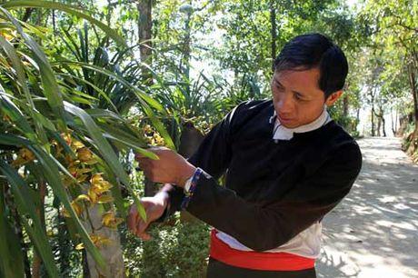 Vang A Chinh mang du lich ve Sin Suoi Ho - Anh 1