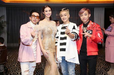 Khanh My, HKT khien buoi ra mat phim o TQ soi noi - Anh 7