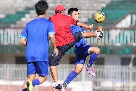 Nhieu tuyen thu DT Viet Nam bi om truoc tran gap Malaysia - Anh 1