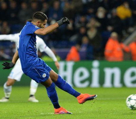 Vao vong 16 doi Champions League bang khong chien, Leicester ve nha giai quyet khung hoang - Anh 3