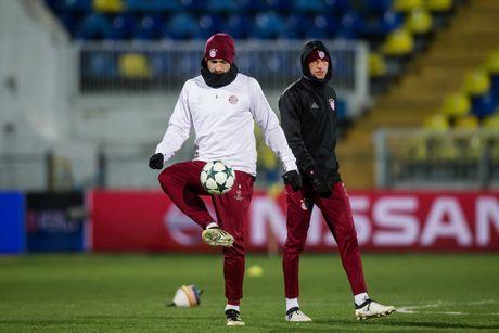 Thay tro Ancelotti trum 'kin mit' trong buoi tap tren dat Nga - Anh 7