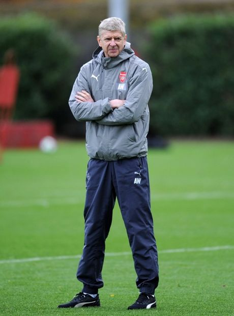 Chum anh: Nguoi thua Debuchy tro lai, Arsenal quyet chien PSG - Anh 2