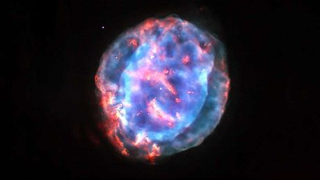 Hinh anh an tuong moi cong bo ve tinh van NGC 6818 - Anh 2