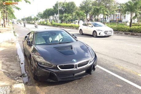 'Soi' sieu xe BMW i8 mau doc gia 7 ty ve Viet Nam - Anh 1