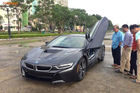 'Soi' sieu xe BMW i8 mau doc gia 7 ty ve Viet Nam - Anh 3