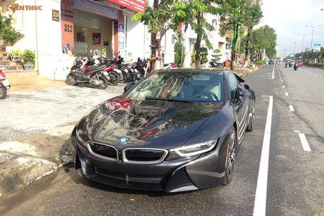 'Soi' sieu xe BMW i8 mau doc gia 7 ty ve Viet Nam - Anh 5