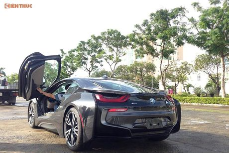 'Soi' sieu xe BMW i8 mau doc gia 7 ty ve Viet Nam - Anh 9