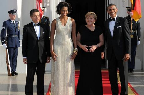 Trang phuc an tuong cua De nhat phu nhan Michelle Obama - Anh 9