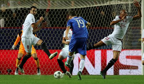 Champions League bang H: Juventus doat ve nho cu loi nguoc dong - Anh 4