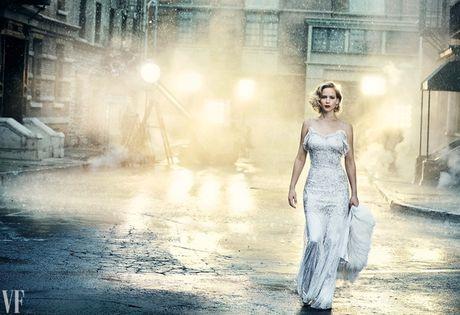 Jennifer Lawrence khoe than hinh hoan hao tren Vanity Fair - Anh 2