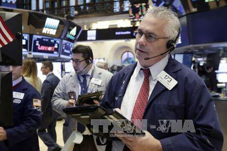 Chi so cong nghiep Dow Jones lan dau vuot nguong 19.000 diem - Anh 1