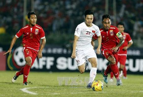 AFF CUP 2016: Tuyen Viet Nam can nhac nhan su tran gap Malaysia - Anh 1
