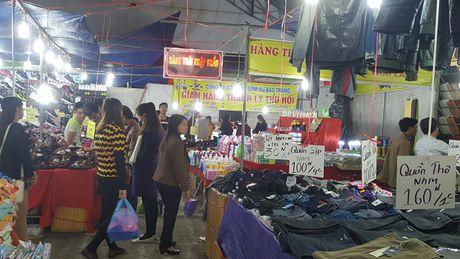 Nhung hinh anh 'nhoi long' tai cac gian hang nong san Hoi cho Tay Bac - Anh 3
