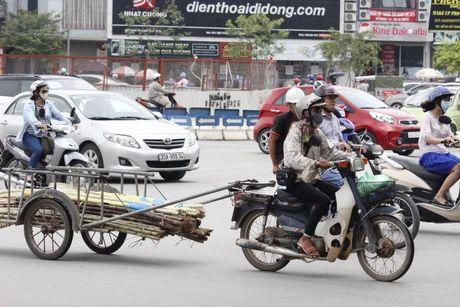 'May chem di dong' o at tai xuat tren duong pho Thu do - Anh 2