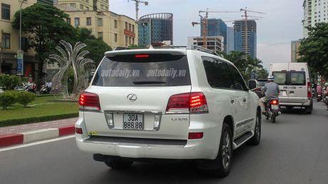 Lexus LX570 choi bien ngu quy 8 khung nhat Ha Noi - Anh 1