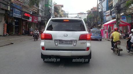 Lexus LX570 choi bien ngu quy 8 khung nhat Ha Noi - Anh 4