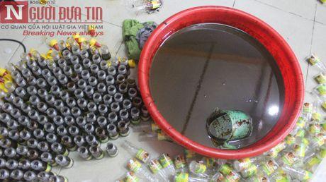 Kinh hai voi cach lam phu gia ban bang hoa chat khong ro nguon goc - Anh 1