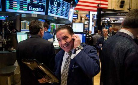 Vuot 19.000 diem, Dow Jones lap ky luc moi - Anh 1