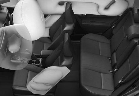 Toyota thay doi thiet ke phien ban Altis - Anh 2
