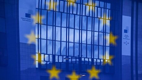 Tinh hinh Syria 23/11: EU neu dieu kien tham gia phuc hoi kinh te Syria - Anh 2