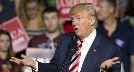 Ong Trump doi mat cao buoc gian lan, chi tieu hoang phi sau khi tro thanh Tong thong? - Anh 1