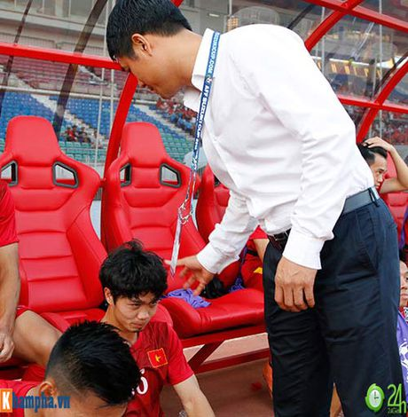 "DTVN: Bo lo co hoi, Cong Phuong bi Cong Vinh ""mang"" - Anh 8"