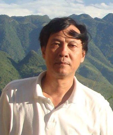 Nhac si Phu Quang tung mua ban quyen tho gia 100 nghin dong - Anh 1
