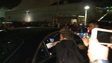 Justin Bieber dam fan chay mau mieng - Anh 1