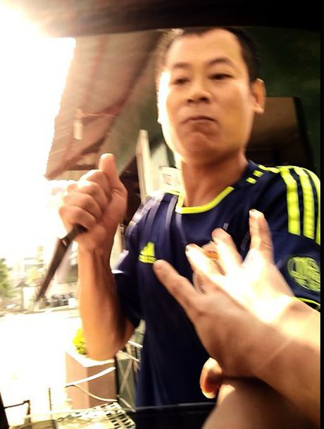 Bi thu Ha Noi: Xu nghiem vu dung dao cuong doat tien gui xe - Anh 1