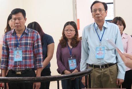 Tam dung phien xu cuu Giam doc Cong ty ruou Ha Noi - Anh 1