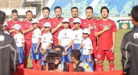 Thang sat nut Malaysia, tuyen Viet Nam dat mot chan vao ban ket AFF Cup - Anh 1