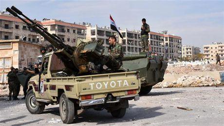Quan doi Syria thoc sau hon vao dong Aleppo - Anh 1