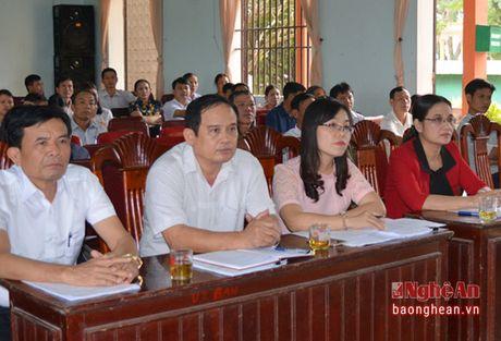 Pho Chu tich HDND tinh Cao Thi Hien tiep xuc cu tri huyen Dien Chau - Anh 2