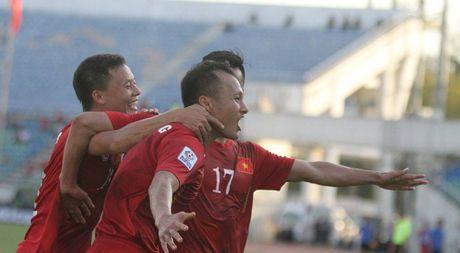 Viet Nam- Malaysia 1-0:Cham diem cac tuyen thu xu Nghe - Anh 1