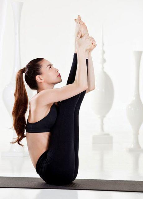 Nhung tu the tap Yoga 'kho do' cua sao Viet - Anh 3
