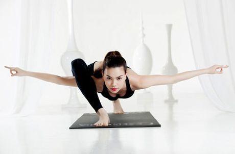 Nhung tu the tap Yoga 'kho do' cua sao Viet - Anh 5