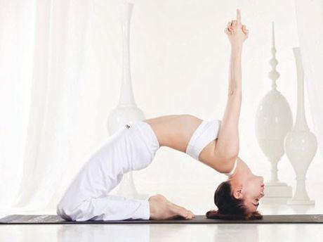 Nhung tu the tap Yoga 'kho do' cua sao Viet - Anh 7