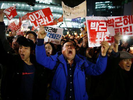 Vi sao Tong thong Han Quoc Park Geun-hye khong tu chuc? - Anh 1