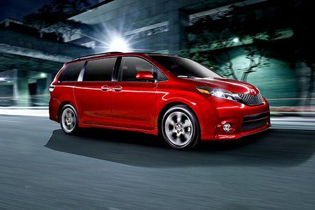 Toyota trieu hoi 744.000 xe minivan Sienna loi cua mo khi dang chay - Anh 1