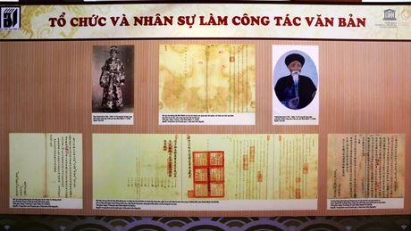 Trien lam 'Van thu luu tru Trieu Nguyen qua Chau ban di san tu lieu the gioi khu vuc Chau A - Thai Binh Duong' - Anh 1