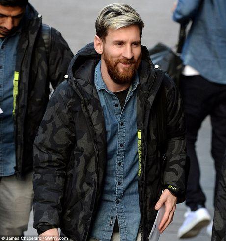 Messi tuoi cuoi truoc tin don gia nhap Man City - Anh 3