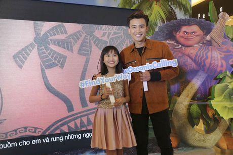 Binh Minh dua ca gia dinh xem phim hoat hinh Disney - Anh 5