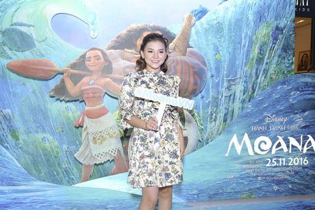 Binh Minh dua ca gia dinh xem phim hoat hinh Disney - Anh 7